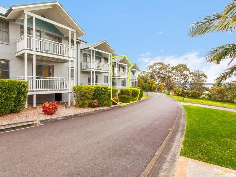 Unit 438 Currawong Circuit, Cams Wharf, NSW 2281