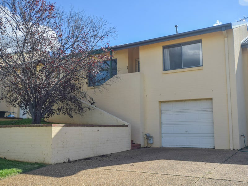 2/77 Thornhill Street, Young, NSW 2594
