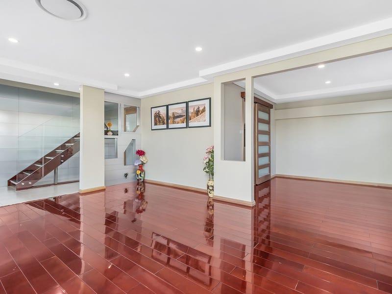 10 Lansbury Street, Edensor Park, NSW 2176