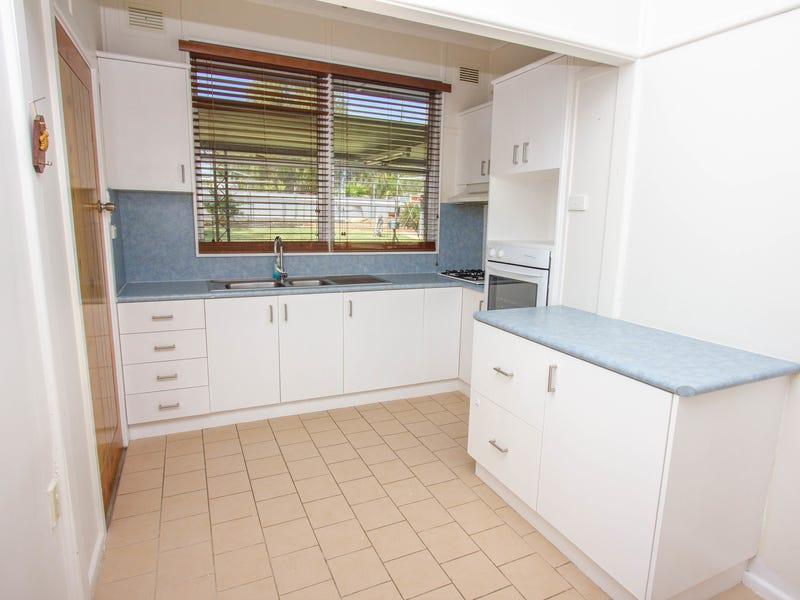 74 Victoria Avenue, Narrandera, NSW 2700