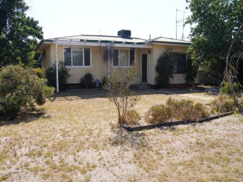 16 Flynn Street, Berrigan, NSW 2712