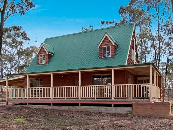 3 Cameron Court, Huntly, Vic 3551