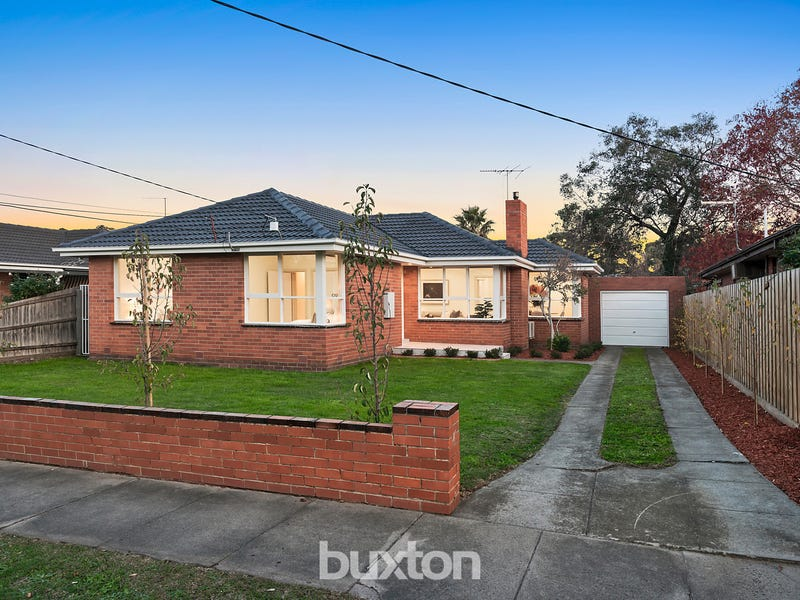 18 Pasadena Crescent, Bentleigh East, Vic 3165