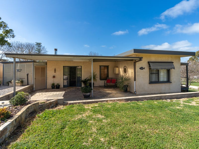 142 King Street, Molong, NSW 2866