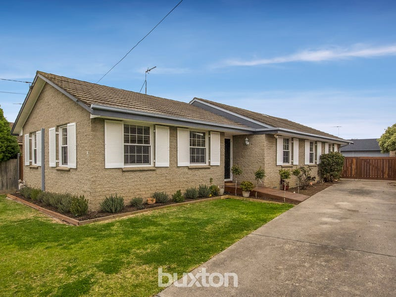 12 Watsons Road, Newcomb, Vic 3219