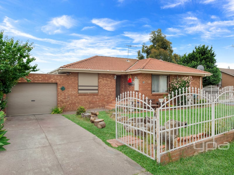 1/2 Elgata Close, Meadow Heights, Vic 3048