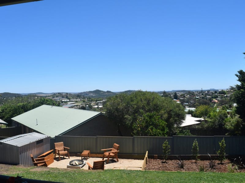 35 Dalzell Crescent, Darling Heights, Qld 4350