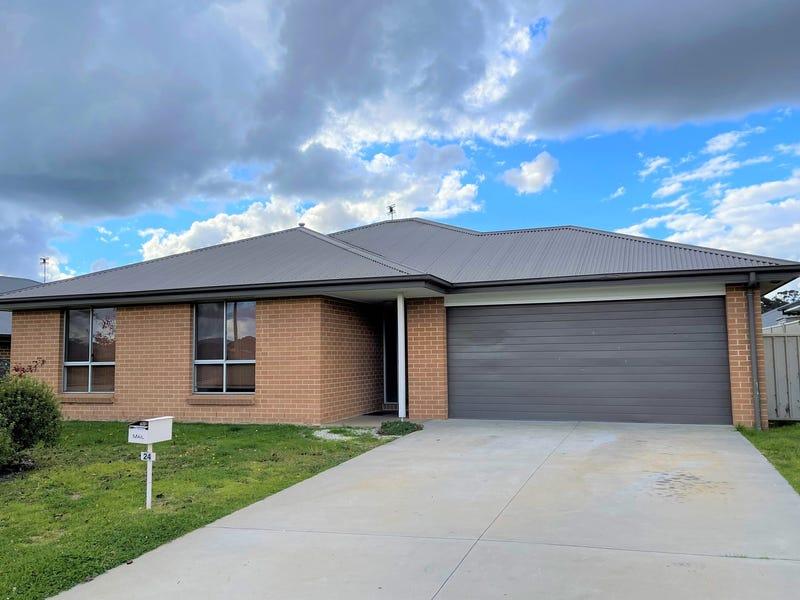 24 Molloy Drive, Orange, NSW 2800