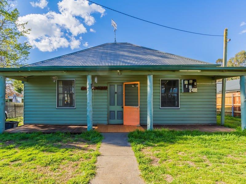 53 DUMARESQ STREET, Armidale, NSW 2350