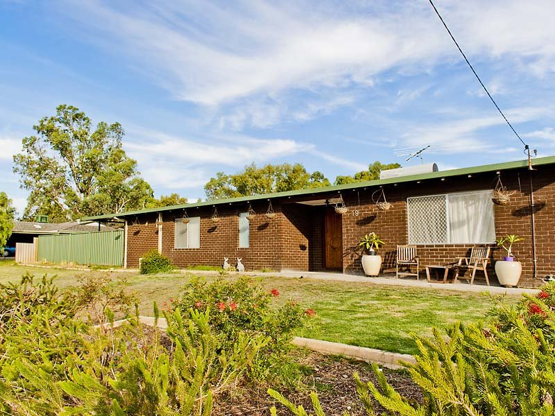 19 Battersea Road, Canning Vale, WA 6155
