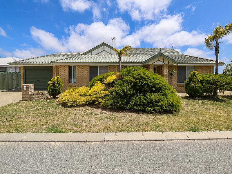 7 Swindon Lane, Currambine, WA 6028