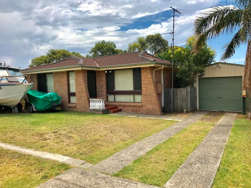 18 Spotted Gum Rd, Albion Park Rail, NSW 2527
