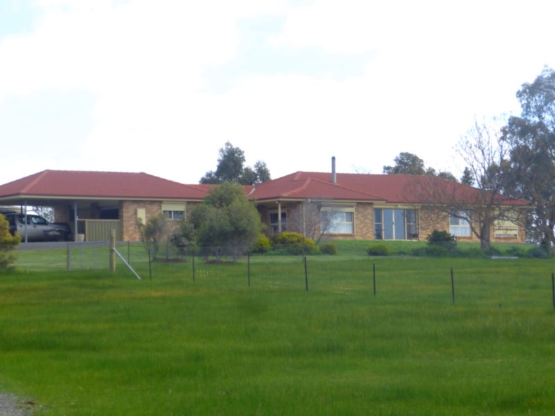 272 Pipetrack Rd, Stawell, Vic 3380