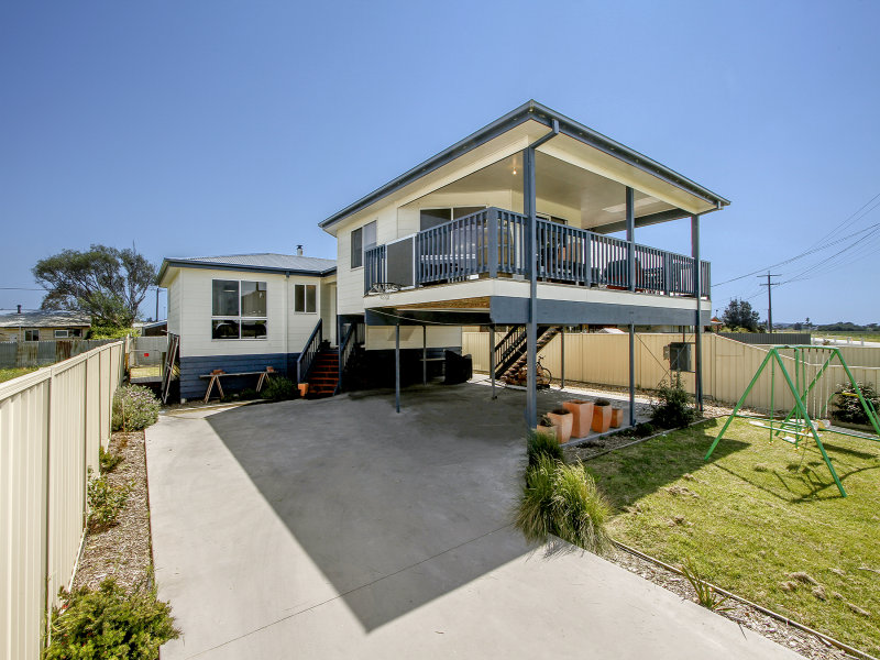 43 Main Road, Seaspray, Vic 3851