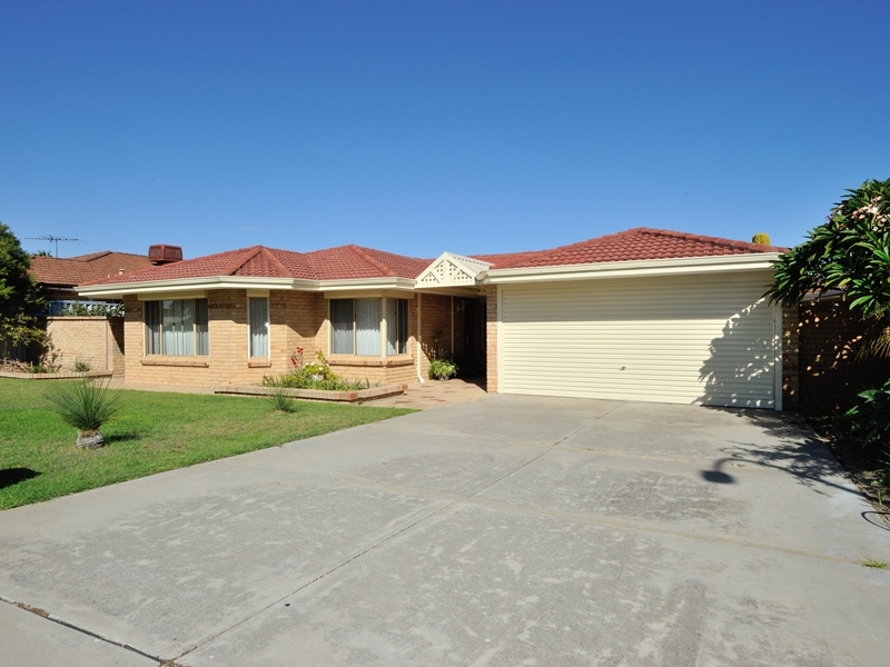 3 Diamantina Way, Rockingham, WA 6168