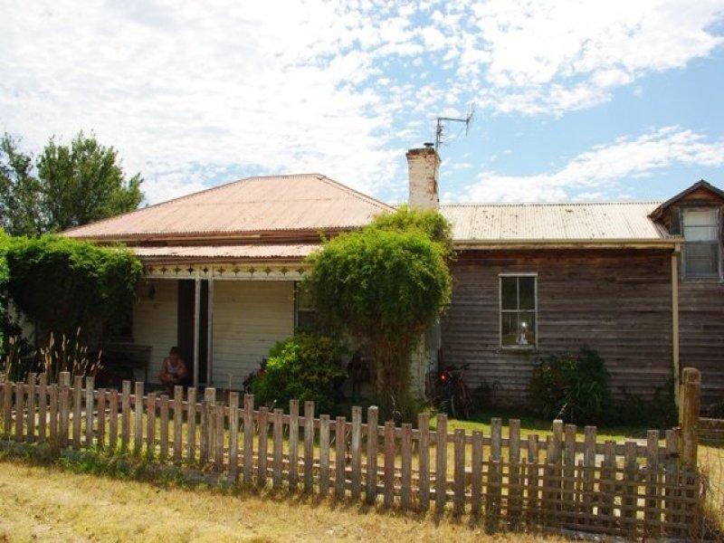 35 Hoyer St, Cobargo, NSW 2550
