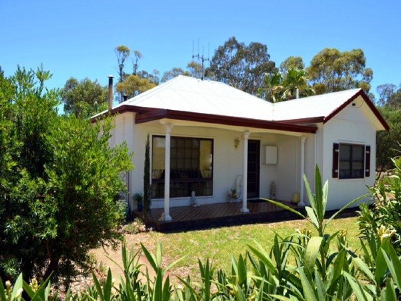 130 Railway Rd, Mendooran, NSW 2842