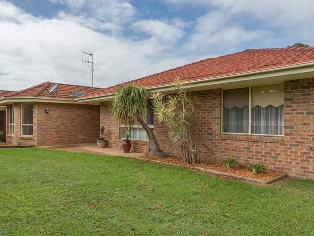 8 & 8b Victoria Place, Forster, NSW 2428