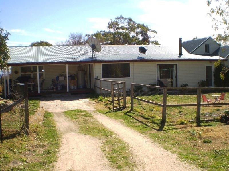 2225 Kingstown Road, Uralla, NSW 2358