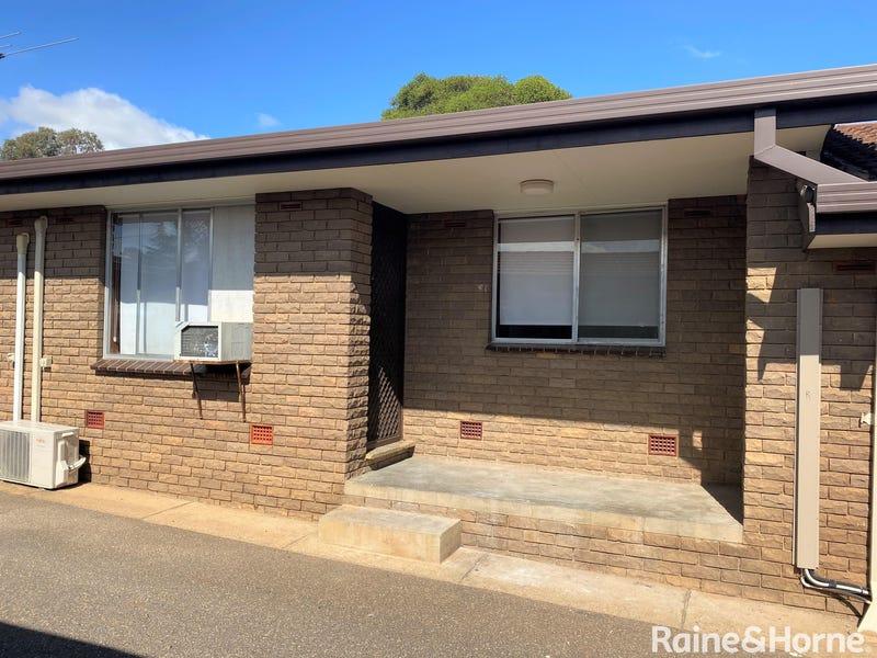 2/6 Joyes Place, Tolland, NSW 2650
