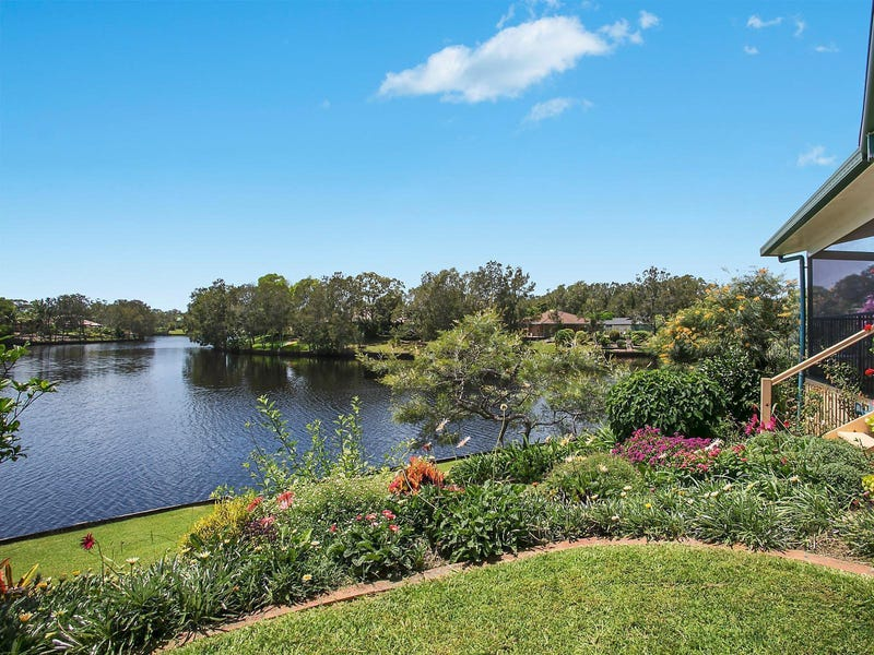 18 Eloura Court, Ocean Shores, NSW 2483