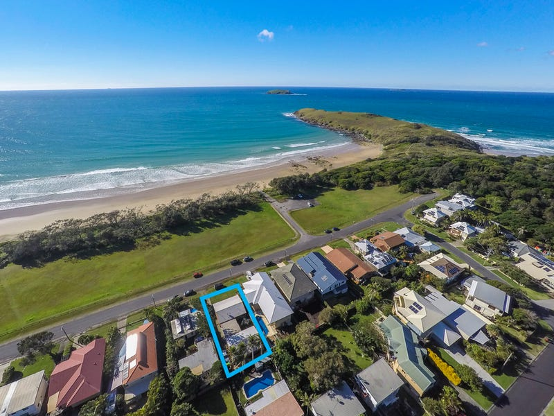 94 Sandy's Beach Drive, Sandy Beach, NSW 2456