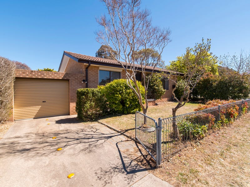 2 McCarthy Place, Charnwood, ACT 2615
