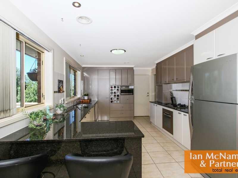 10 Goolara Place, Jerrabomberra, NSW 2619