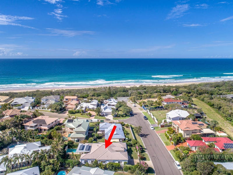 6 Wavecrest Drive, Castaways Beach, Qld 4567