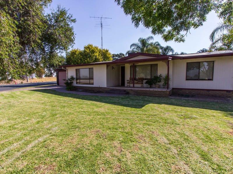 2 Japonica Place, Narrandera, NSW 2700