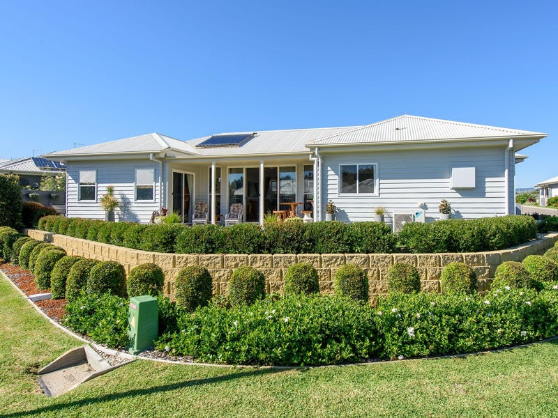 200 North Pacific Street, Lake Cathie, NSW 2445