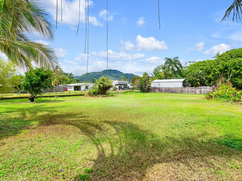 303 Pease Street, Edge Hill, Qld 4870