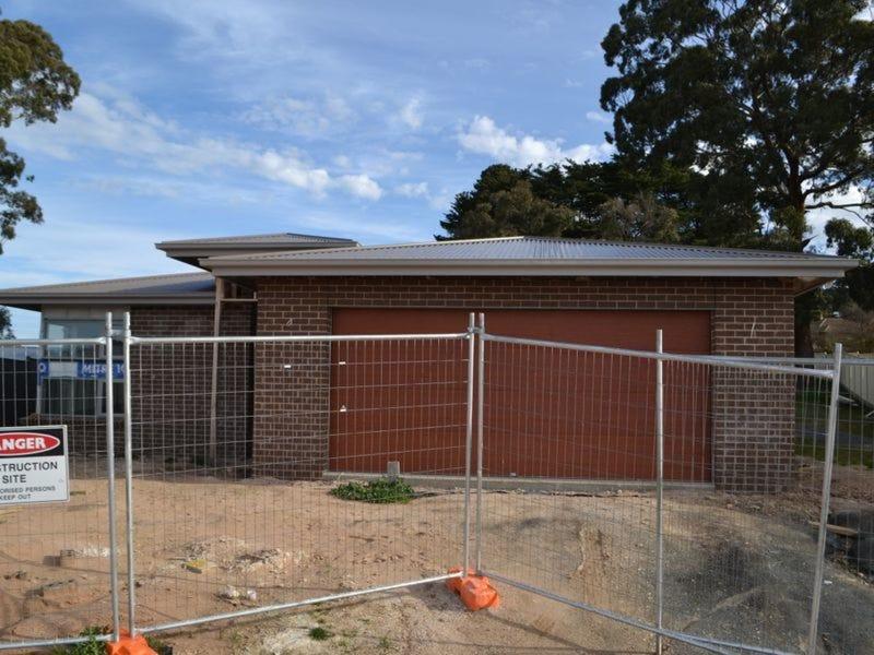 10 Banksia Court, Beaufort, Vic 3373