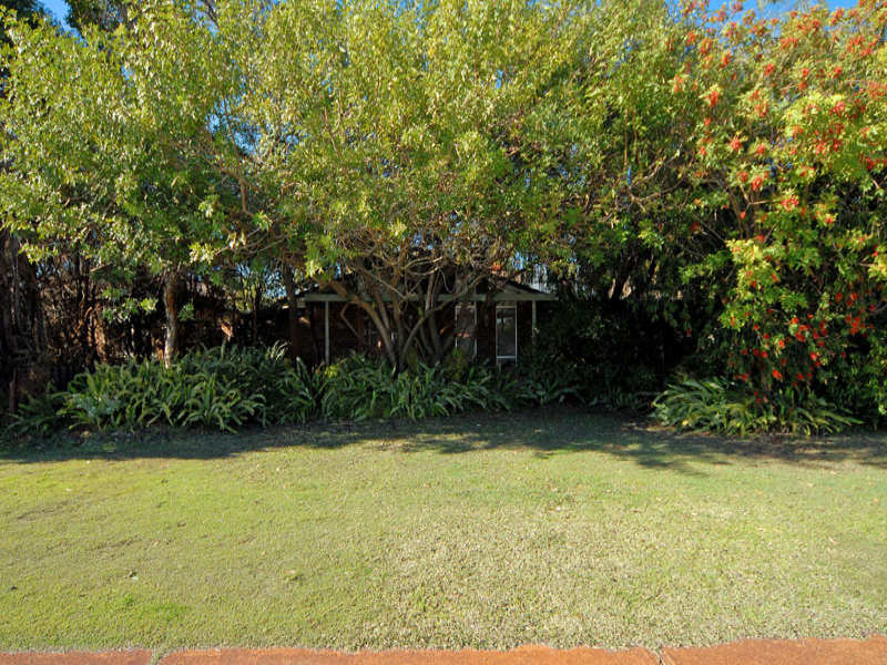 122 Morley Drive East, Eden Hill, WA 6054