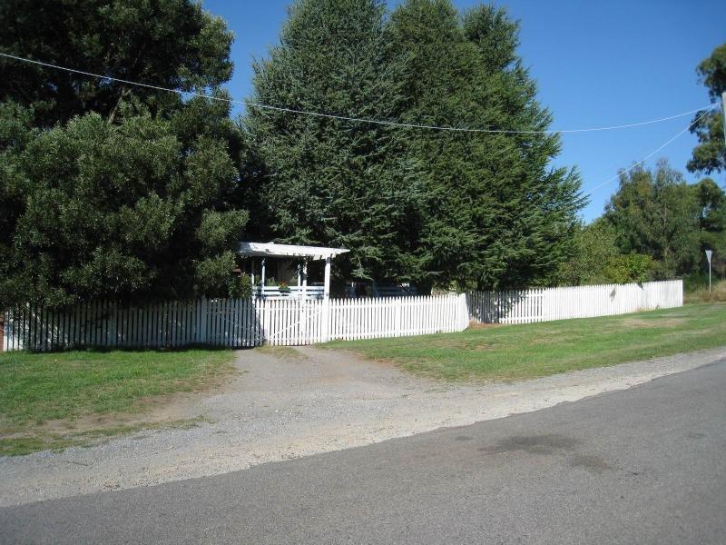 15 Gleeson Street, Lyonville, Vic 3461