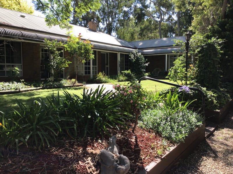 16 Barooga Street, Tocumwal, NSW 2714