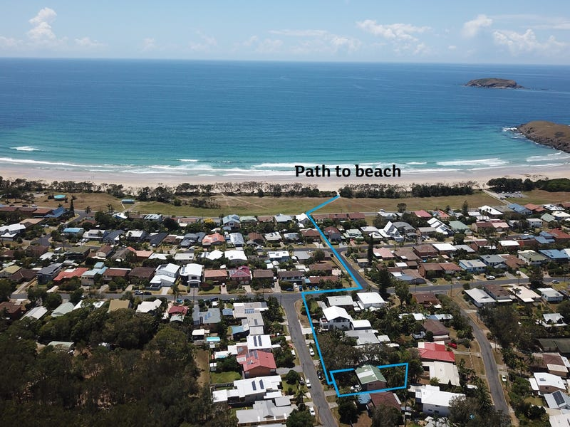 9 Redbox Crescent, Sandy Beach, NSW 2456
