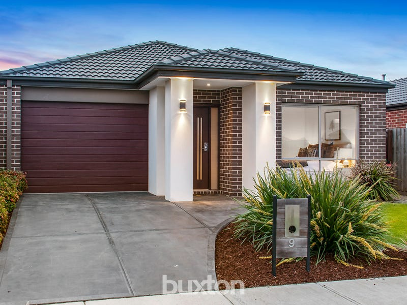 9 Waterfront Way, Keysborough, Vic 3173