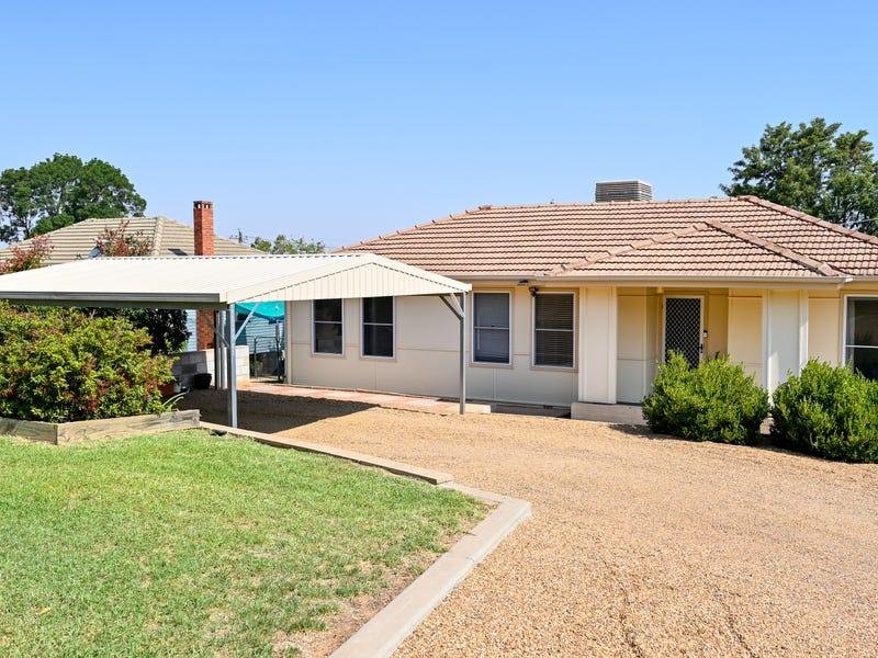 19 Mcnabb Crescent, Griffith, NSW 2680
