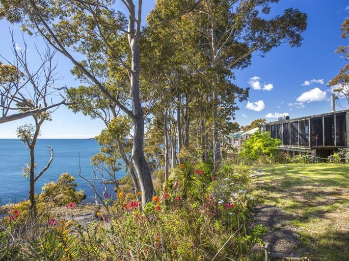 15 Barbara Crescent, Denhams Beach, NSW 2536
