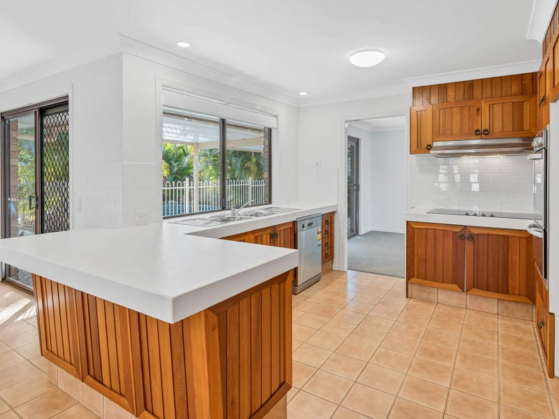 7 Whitehead Drive, Burleigh Waters, Qld 4220
