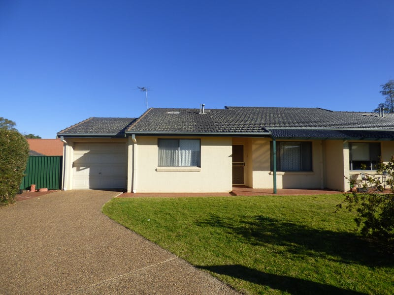 Unit 10/4 Old Barracks Lane, Young, NSW 2594