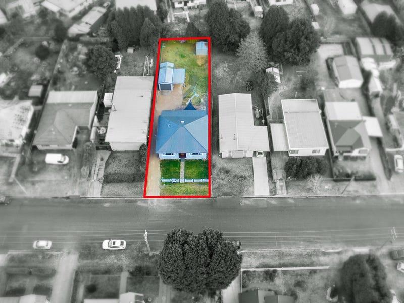 10 Hoskins Street, Moss Vale, NSW 2577