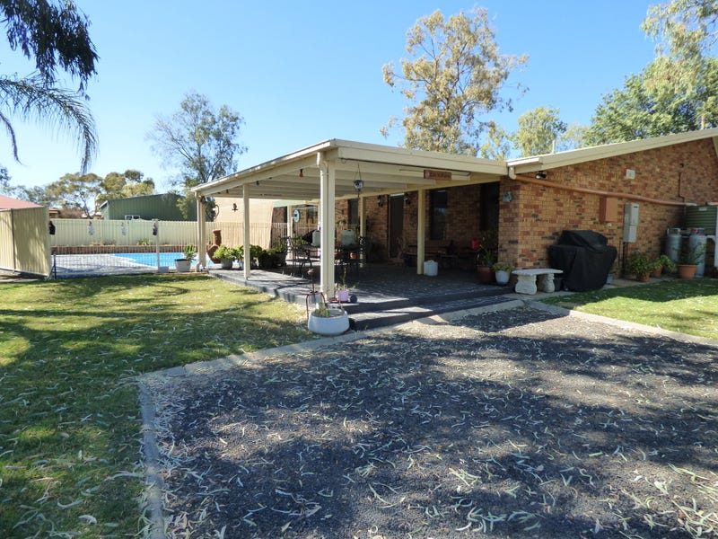 2-4 Miscamble Street, Roma, Qld 4455