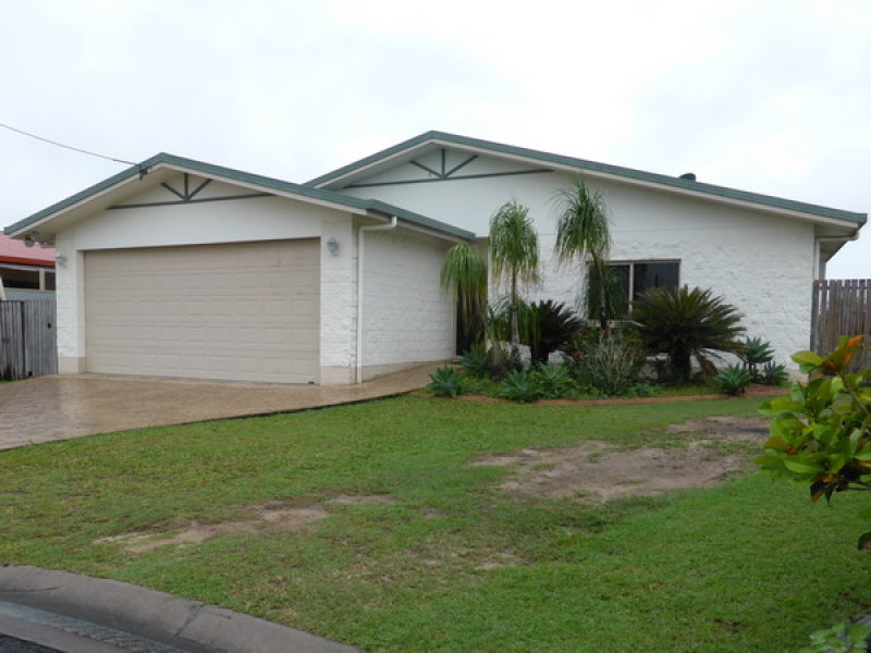 Address available on request, Etty Bay, Qld 4858