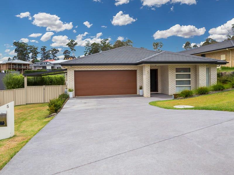 5 Freycinet Drive, Sunshine Bay, NSW 2536