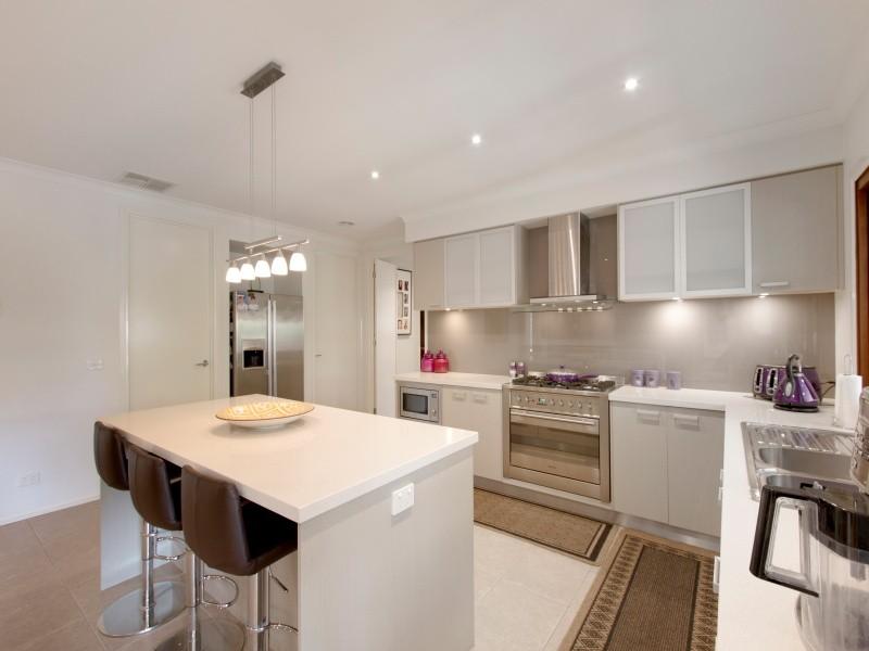 13 Corowa Place, Sandhurst, Vic 3977