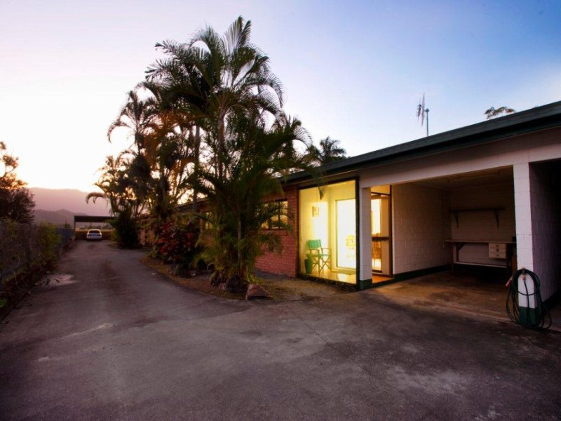 2/40 Marine Parade, Newell, Qld 4873