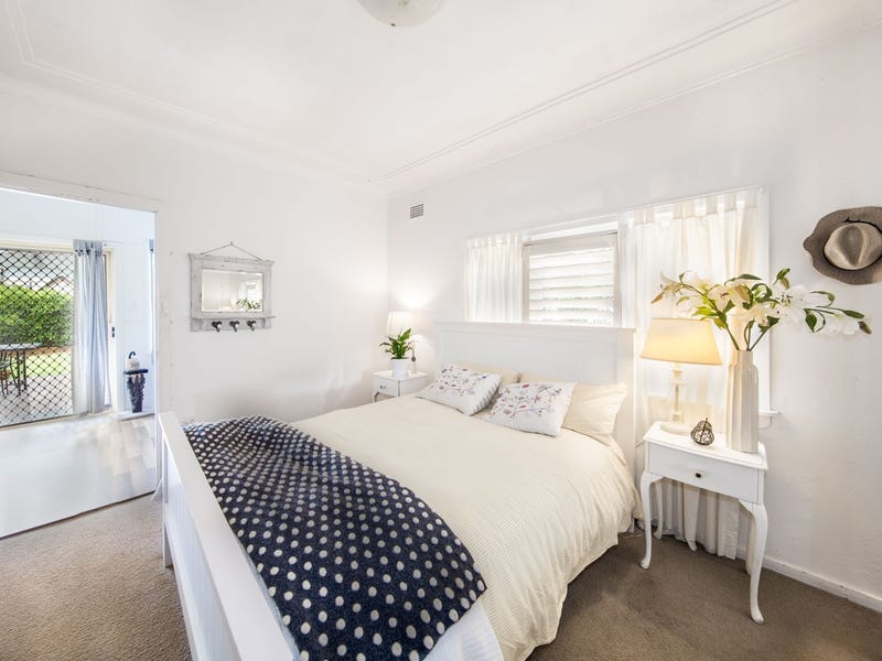 27 Griffin Road, North Curl Curl, NSW 2099