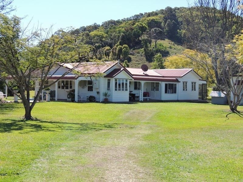 964 Numinbah Road, Crystal Creek, NSW 2484
